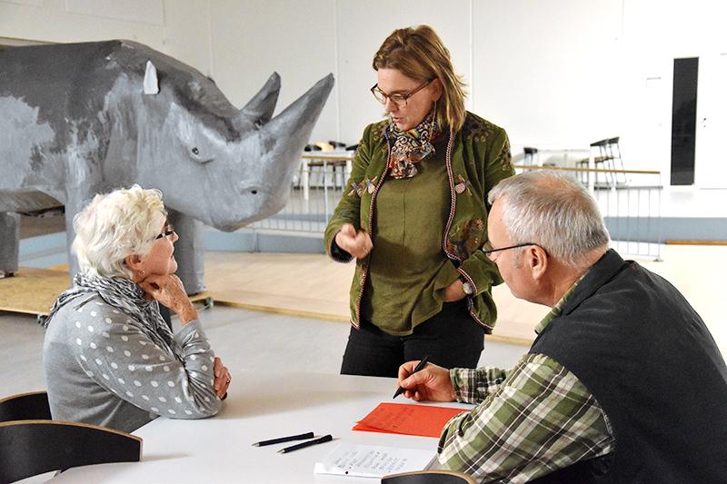 Borgmester Sofie Valbjørn (Å) i samtale med Kirsten Poulsen og Niels Gleerup.