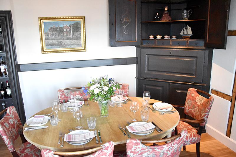 Kunne dette være et passende bord for dronning Margrethe og udvalgte gæster?