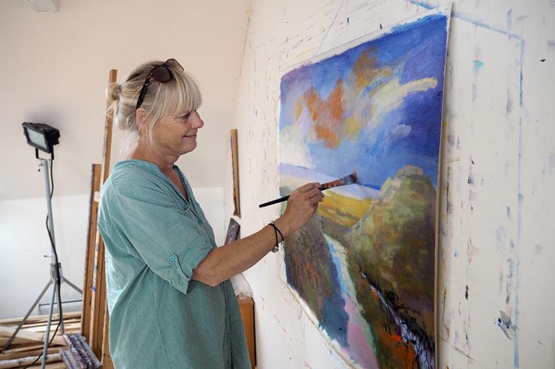 Margit Enggaard Poulsen er på vej tilbage til de stærke farver.