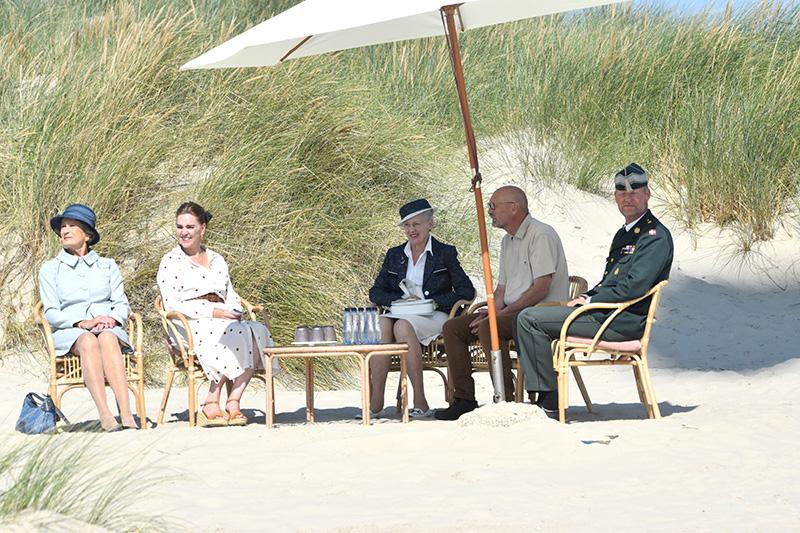 På Rindby Strand fortalte Poul Therkelsen fra Destination Vadehavskysten om strandens betydning for Fanø og om blokartskørsel.