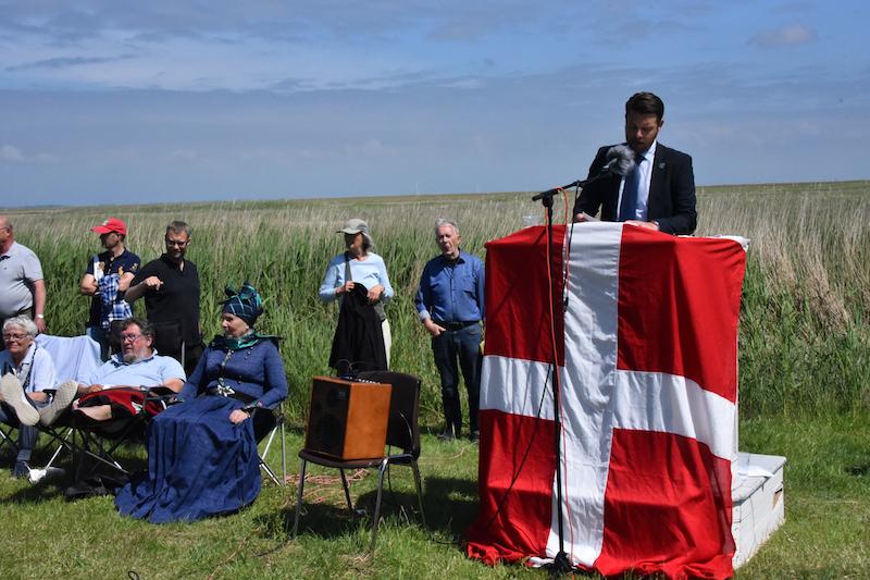 ENT-udvalgsformand Christian Lorenzen kunne ikke dy sig for at fortælle at tidligere borgmester Erik Nørrebys forudsigelse om krydstogtsskibe i Sønderho Havn.