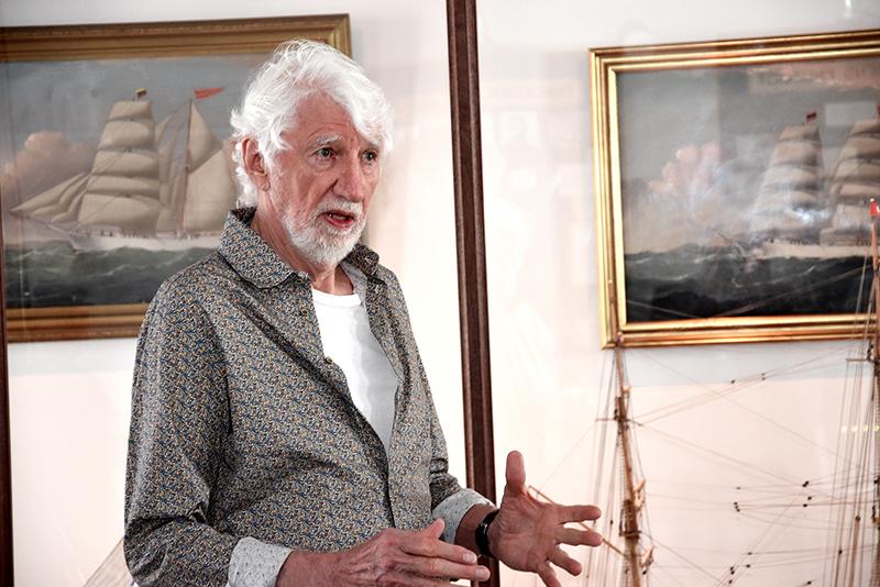 Christian Poulsen på Fanø Skibsfarts- og Dragtmuseum i Nordby, hvor han fortalte levende og engageret om Rav Sine.