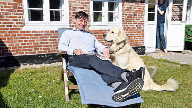 Martin Garde med hunden Nixon