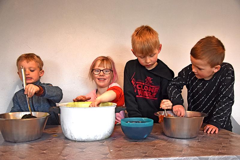 Dette æggehold består af Hjalte Josefsen (tv.), Louise Brunbjerg, Phineas Rold og Jacob Sonnichsen.