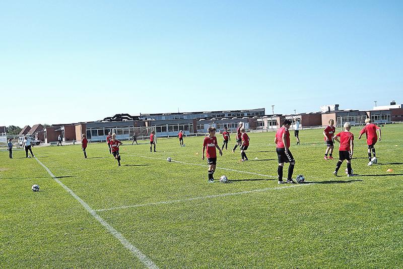 Ikke kun børn fra Danmark, men også udlandet var med på fodboldskolen.