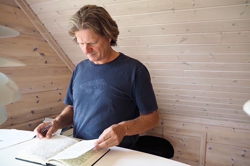 Hans Hedegaard Andersen har indrettet kontor på førstesalen.