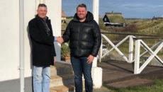 Henrik Lynggaard er blevet alvorligt syg og afhænder nu sine aktiviteter til Sol og Strand, der her er repræsenteret af Kent Nymark, Fanø. Foto: PR.