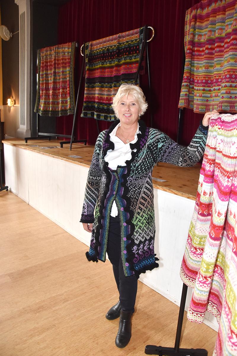Tina Elisabeth Friis Pedersen fra Helsingør udstillede sine flotte værker i Strien, som også lagde lokaler til festivalen.